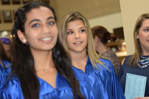 Twin Groves Graduation Class of 2018 0077