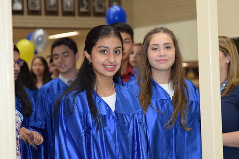 Twin Groves Graduation Class of 2018 0083