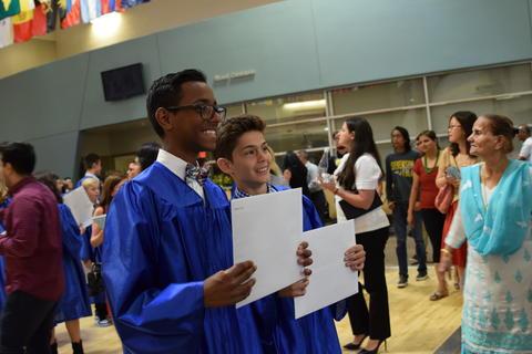 Twin Groves Graduation Class of 2018 0160