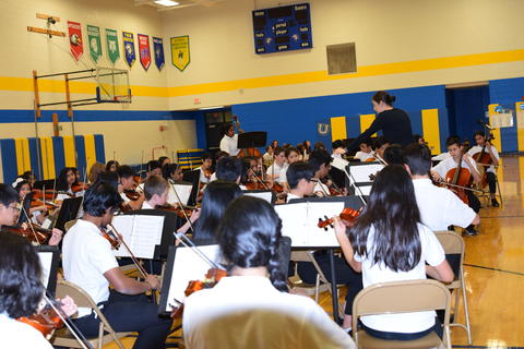 Fall 2018 Orchestra 0062