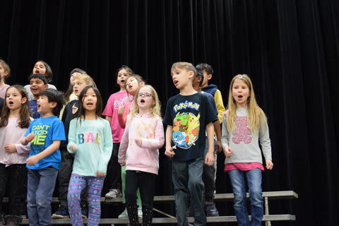 Ivy Hall 2nd-Grade Concert 0039
