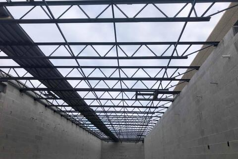 The joist above the mechanical rooms have been installed and are ready for the metal deck.