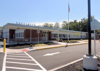 Photo of Evergreen Elementary building