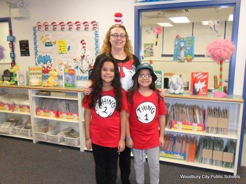 Read Across America Fun at Walnut Street School image for SAM 2612