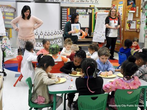 Read Across America Fun at Walnut Street School image for WA Read Across America 2018 003