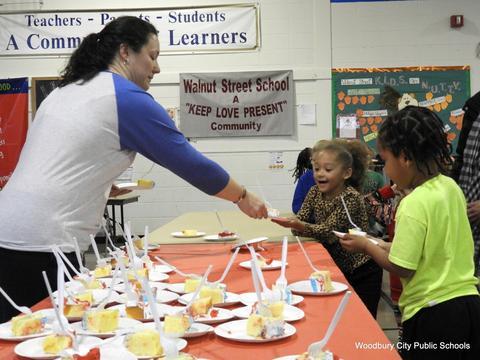 Read Across America Fun at Walnut Street School image for 123