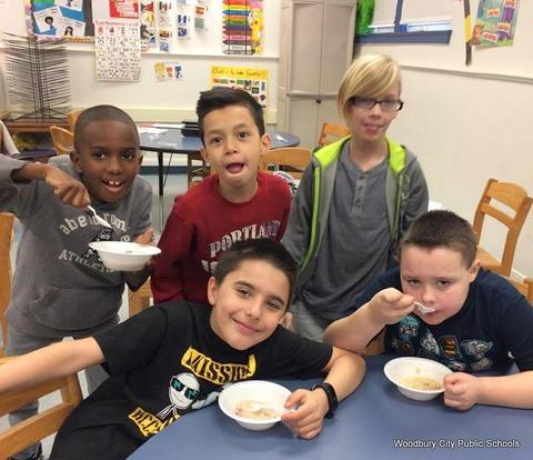 Healthy Food Lesson at Walnut Street School image for 032