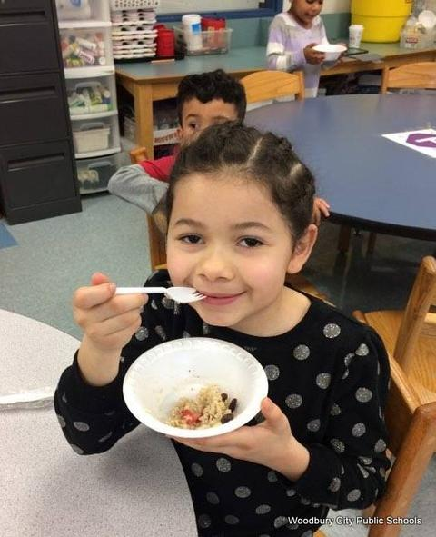 Healthy Food Lesson at Walnut Street School image for 376