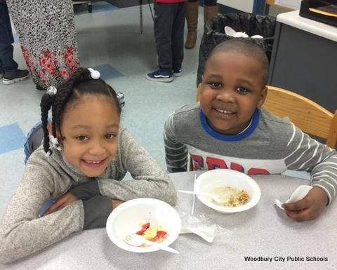 Healthy Food Lesson at Walnut Street School image for 880