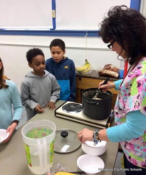 Healthy Food Lesson at Walnut Street School image for 208