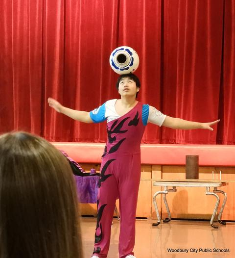 WA Chinese Acrobat Assembly 038