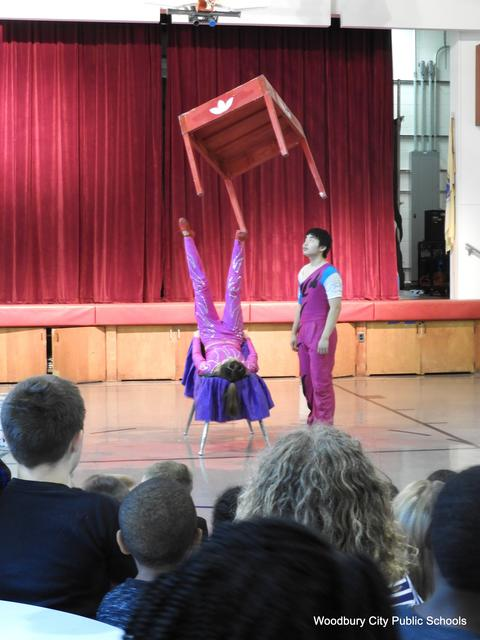 WA Chinese Acrobat Assembly 209