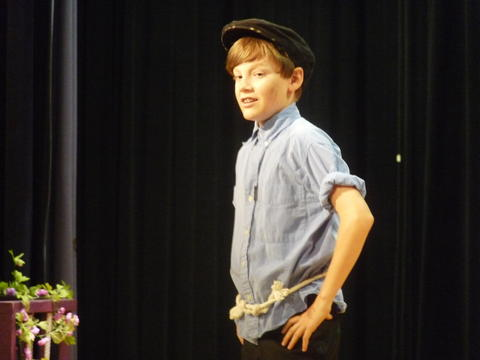 ME 6th Grade Students Performs Oliver-2