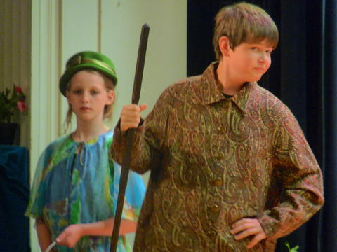 ME 6th Grade Students Performs Oliver-4