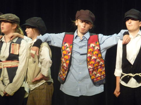 ME 6th Grade Students Performs Oliver-11
