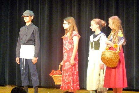 ME 6th Grade Students Performs Oliver-13
