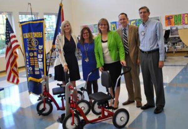 Mariemont Kiwanis Donates Therapeutic Bikes to School District