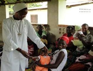 Sister Godelieve in medical centre in Lemfu in Congo