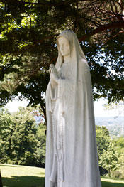 Mama Mary statue picture