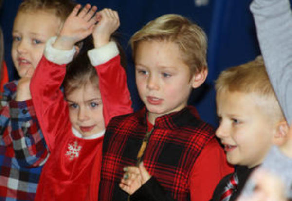 Fairview Elementary School 4K students perform songs of the season
