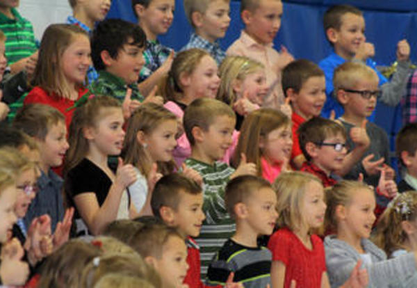 Lannoye students help ring in the season