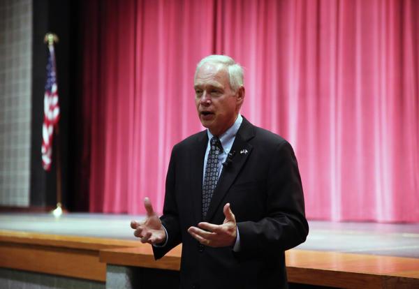 U.S. Senator Ron Johnson visits PHS freshmen
