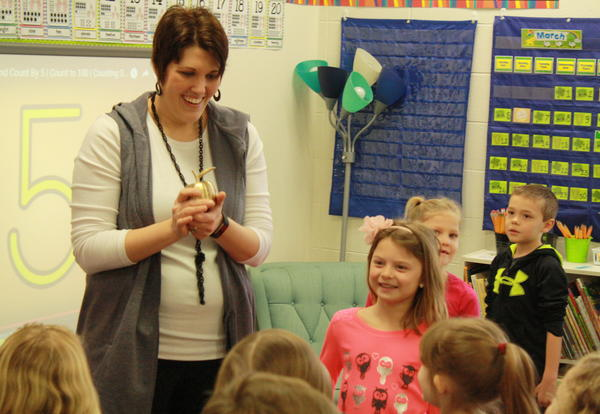 Nominate PCSD teachers for Golden Apple awards