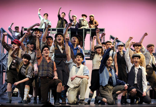 'Newsies' photo gallery is live
