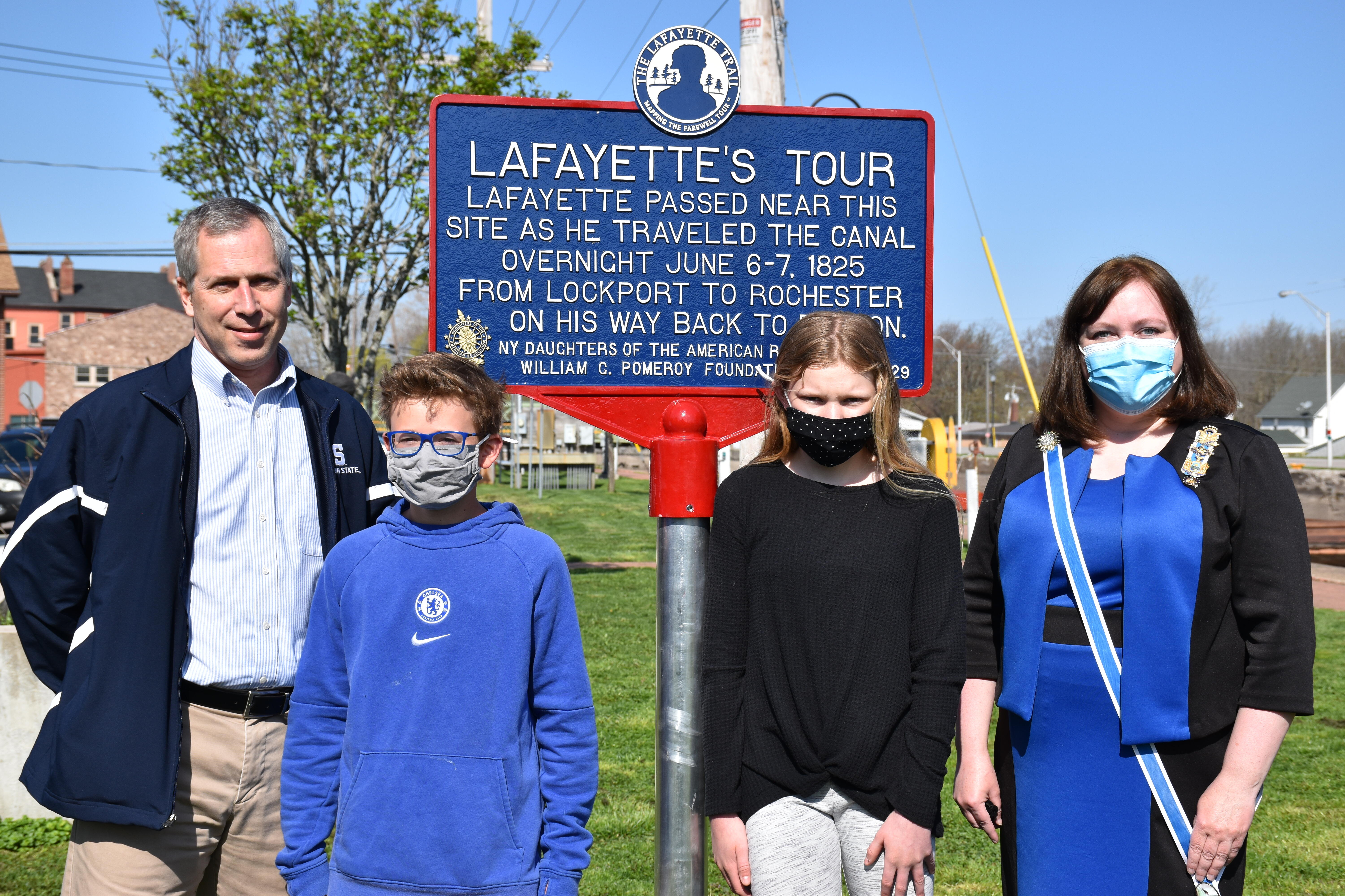 From left to right: Tim Archer, Justin Kania, Kaitlin Bennett, and DAR Regent Patrice Birner with the historical marker