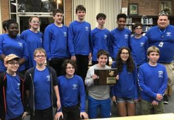 Roosevelt Bulldogs Win Scholastic Bowl Regionals