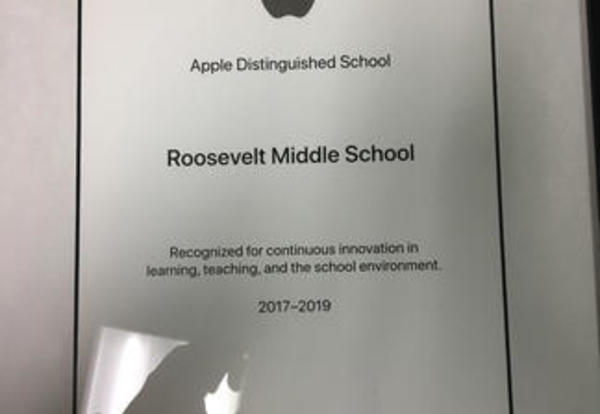 Roosevelt Middle School Receives Recognition as an Apple Distinguished School