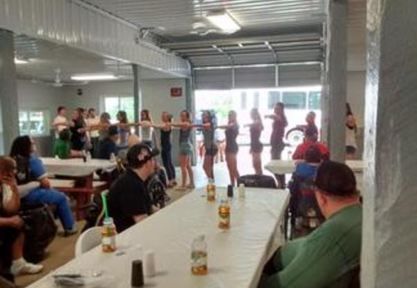 LHS Show Choir Performs for Veterans!