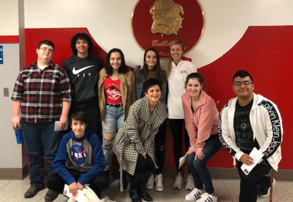 seniors meet with former teacher
