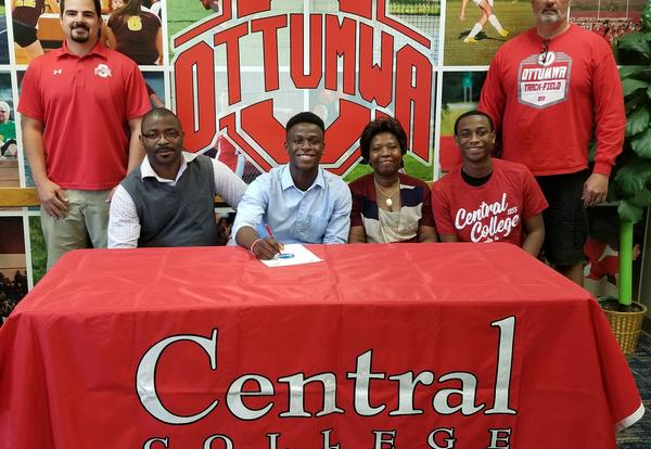 Bossou Signs with Central