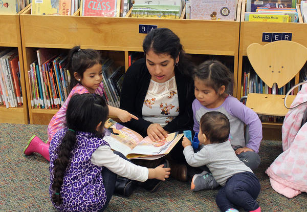 Bilingual Storytime Offered at Libary