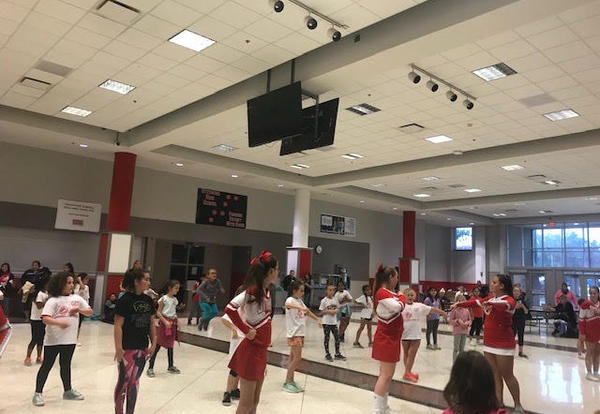 Cheerleading clinic at OHS