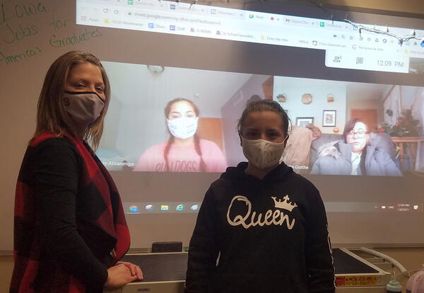 Virtual students Naily Alvarenga and Jolie Grothe, with Amber Heckart and Nicolete Ware.