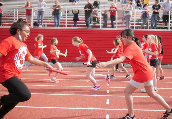 Girls shuttle race